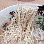 イップウドウ ラーメン エクスプレス - 元祖博多とんこつ  麺リフト〜♪