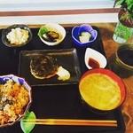 カ笑ル食堂 - 紫蘇ハンバーグ定食