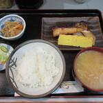 魚谷 - ぶりの照焼定食 820円