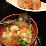 Agito - 小エビと有機野菜のアヒージョ@680円