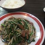 中華料理 ポパイ - レバニラ
