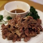 東京穆斯林飯店 - 茹でラム肉のニンニクソース