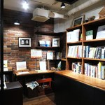 Rainy Day Bookstore & Cafe - 店内2
