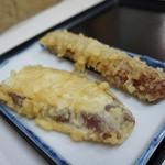 39097737 - 天ぷら(サツマイモとゲソ)