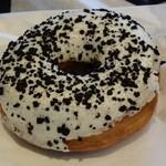スターバックス・コーヒー - ブラッククランブル&チーズクリームドーナツ