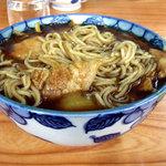 藤の家 - カレーそば お汁がこぼれるんで飲んでみたら麺もびっしり