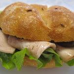 コンディトライ・ノイエス - サンドウィッチ ~ハムはシュタットシンケンのもの。美味