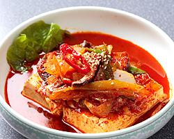 本場ソウルの味 味家 - トゥブチム 豆腐と細切り野菜のピリ辛唐辛子煮込み