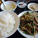 Chainadoru - 「ニラレバ炒め」850円也。
