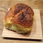 月詠珈琲 - モーニングサービスのデニッシュパン