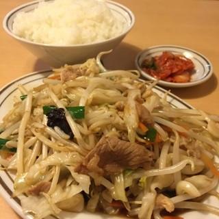 留軒 - 日替わり(野菜炒め)定食 ¥650   炊き立てご飯がめちゃ嬉しい(^-^)