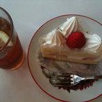 Fujiyaresutoran - イチゴのショートケーキ