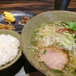 天雷軒 九段下 - 醤油拉麺ランチセット 850円