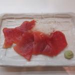 おふくろ亭 - 料理写真:まぐろ切り身
