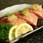 炙り牛トロ寿司(1人前は3貫)