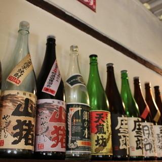 ◎自慢◎店主の地元宮崎から買い付けた焼酎がたっぷりございます