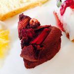 WILL cafe - 赤いルバーブと木苺のガトーショコラ