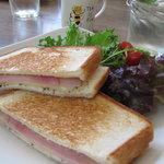 Coffee House Shaker - ホットサンド ハム&チーズ