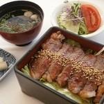 浜名湖サービスエリア 浜名亭 - 静岡産の牛肉を使用した、「静岡牛・肉重」お肉が柔らかくて美味しいですよ!