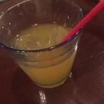 タパス&タパス - ドリンクバーのマンゴージュース