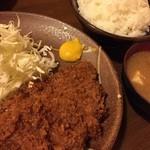 39125506 - とんかつ定食(¥1,500) ご飯の大盛りは無料のようです。