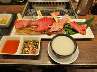 焼肉 房家 日本橋店 - 焼肉コース「彩」のお肉・マッコリ