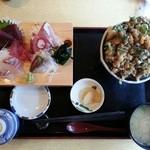39139224 - 刺身4種と小柱かきあげ丼の定食¥1730