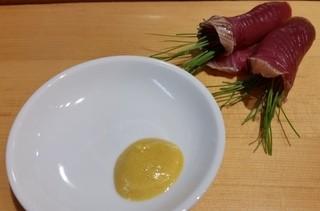 鮨 なかがわ - カツオのタタキ 藁焼き