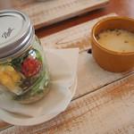 depot cafe - ランチのサラダとスープ