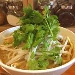 エイケイコーナー - タイのイエローカリーの米麺 『カノンチン』       パクチーたっぷり\(^o^)/