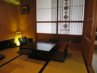 旬菜料理 苧麻 - 座敷