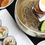 水冷麺(韓国のり巻き付)