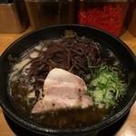 博多風龍 - 黒マー油ラーメン、きくらげトッピング¥700