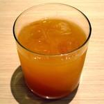 デリカフェ - ピンクグレープフルーツジュース(単品で\360、ケーキセットだと\300、2015年4月)