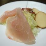 Cafe KOTO - 生ハムとチーズ(360円)