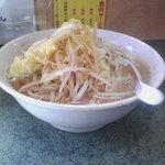 3916378 - 小ラーメン+ニンニク+野菜多め+醤油多め(080201)