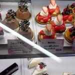 KiKi洋菓子店 - ショーケース