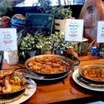 SPAIN BAR&CAFE Esperanza - ブッフェで食べられる3種のパエリア