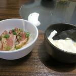 39167277 - 【先付け】宮崎県産 地鶏のたたき/【豆腐】手作り豆腐の塩麹漬け