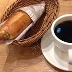 フォレスティコーヒー - フォレスティドック マスタード400円ドリンク付き