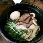 39174341 - 醤油ちゃーしゅー麺+味玉(サービス)