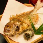 日本料理ほり川 - お食い初めの鯛