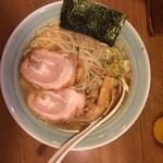 39180517 - 太麺らーめん(背脂醤油)¥700