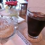 モモカフェ - ランチセットに付いてるドリンク。こちらの珈琲は濃くて香ばしい!めっちゃ美味しいです♪