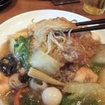 アジアンビストロDai - 麺は揚げるように炒められている