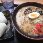 おべんとうのヒライ - 料理写真:ラーメン+おむすびセット(500円)