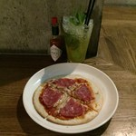 銀座バー GINZA300BAR NEXT - ピザ&マンゴーモヒートベースはマリブ