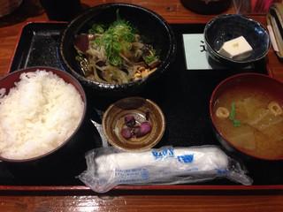 季節料理 新大阪 きらく 東口本店 - カツオタタキランチ