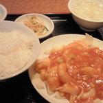 Yokohamachuukagaikeichinrou - 芝エビとイカのチリソース