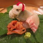 日本料理 太月 - 27年6月 九州天草鱧、閖上赤貝、大分伊佐木 ビーツ・プラパラリーフ